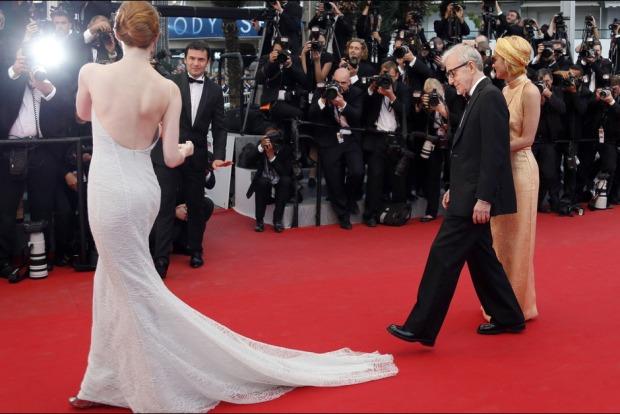 Emma-Stone-en-Dior-au-Festival-de-Cannes